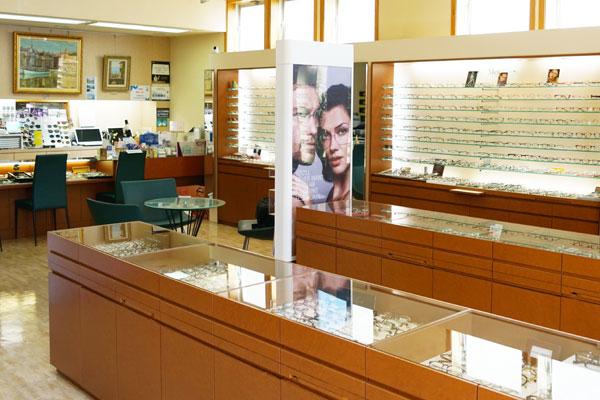 茨城県日立市メガネサロン蔦は人気ブランド眼鏡サングラスの取扱店です