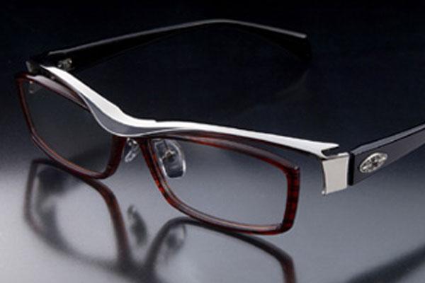 オシャレな眼鏡ブランド-トレミーフォーティエイト